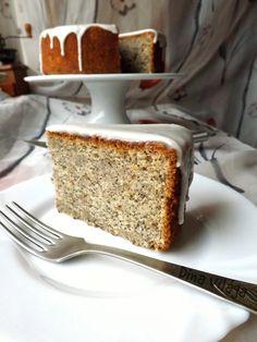 Banános máktorta citrommázzal / Banana poppy seeds cake with lemon icing Lemon Icing, Vanilla Cake, Banana Bread, Fondant, Minden, French Toast, Food And Drink, Cooking Recipes, Breakfast