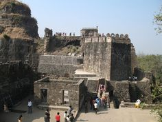 www.fromatravellersdesk.com: 5 Places in India that are Ruins of Royal Palaces