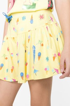 Falda pantalón amarilla para niña Desigual. La colección viene con ganas de jugar, ¿te apuntas?