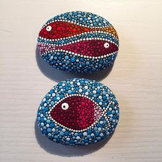 Different fishes #paintedstones #seastones #stones #tree #fish #dots #paintedrocks #loda #madeinloda