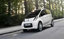 Driving the Citroën C-Zero is both a safe and easy experience. With its six airbags (front, side and curtain), Citroën C-Zero will protect you in the event of an impact.