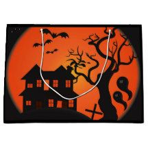 Haunted House Treat Bag - paper gifts presents gift idea customize Halloween Treat Bags, Halloween Make Up, Halloween Party, Halloween Festival, Festival Party, Fairy Halloween Costumes, Large Gift Bags, Present Gift, Paper Gifts