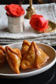 Kheer-er Shingara – Mawa Samosa – Indian Milk Sweet Recipes – Gayathri's Cook Spot