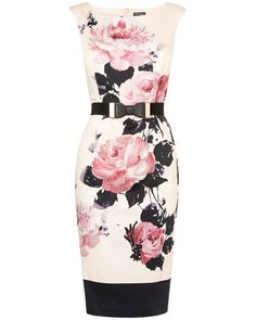 The gorgeous Carrera Rose fitted dress from Phase Eight features a beautiful pink rose floral print. A star pick for this season.