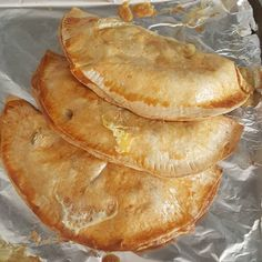 Corned Beef Pasties - Pinch Of Nom 1 Syn Corned Beef Pasties Canned Corned Beef, Corned Beef Recipes, Slimming Eats, Slimming World Recipes, Healthy Baking Substitutes, Snack Recipes, Cooking Recipes, Healthy Recipes, Healthy Meals
