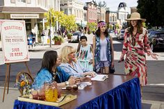 With news swirling around the Gilmore Girls revival, and its availability for binge watching on Netflix, we have the show on the brain — big time. That has us dreaming about what life might be like in a real-life Stars Hollow — a quirky small town where everyone knows and cares about each other, hangs out at the town gazebo, and occasionally participates in an oddball event.