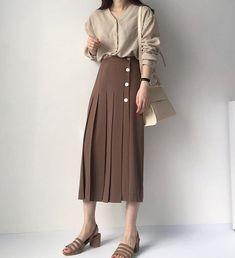 Korean Girl Fashion, Korean Fashion Trends, Korean Street Fashion, Classy Outfits, Chic Outfits, Pretty Outfits, Vintage Outfits, Vogue Fashion, Hijab Fashion