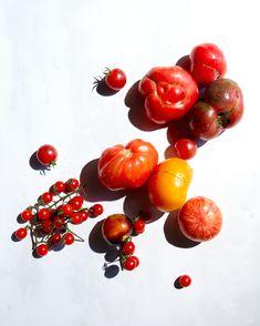 hungriger Geist food + Reise - neue - Erbstück Tomaten und Sellerie-Salat.
