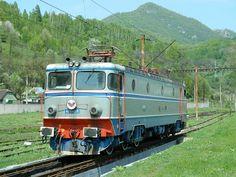 40-0901-5 by Gaby271, via Flickr Locomotive, Diesel, Engineering, Childhood, Display Stands, Norway, Diesel Fuel, Infancy, Technology