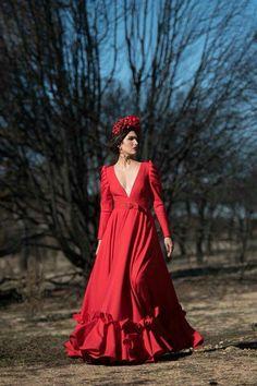 Flamenco Skirt, Costumes Around The World, Spanish Fashion, Summer Photos, High Society, Long Jackets, Wrap Dress, Dressing, Plus Size