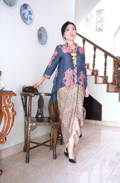 Kebaya Lace, Kebaya Hijab, Kebaya Dress, Batik Kebaya, Blouse Batik, Batik Dress, Kebaya Simple, Hijab Prom Dress, Modern Kebaya