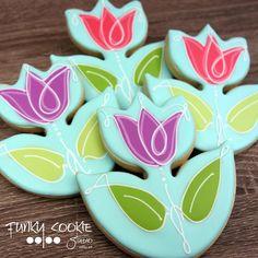 Tulip cookies by Funky Cookie Studio