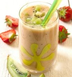 Bilde av Jordbær og kiwi smoothie. Kiwi Smoothie, Pudding, Desserts, Food, Flan, Postres, Custard Pudding, Eten, Puddings