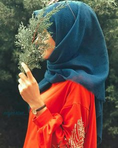 U-HAN Stylish Hijab, Hijab Chic, Hijabi Girl, Girl Hijab, Teenage Girl Photography, Girl Photography Poses, Hijab Hipster, Niqab Fashion, Hijab Collection