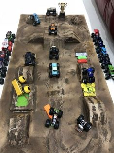 17 ideas monster truck crafts hot wheels for 2019 Monster Truck Toys, Monster Track, Monster Truck Birthday, Toy Trucks, Hot Wheels, Monster Truck Bedroom, Truck Crafts, Truck Room, Bed Room