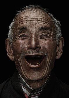 DIASPORA SMILE, 2010 by Bhanuwat Jittivuthikarn, via Behance
