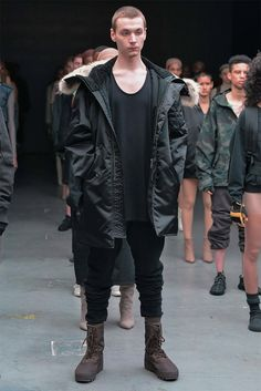 Hot on the heels of his Adidas Yeezy 750 Boost sneakers, Kanye West unveiled his fall 2015 debut ready to wear collection for Adidas during New York Fashion… Yeezy Outfit, Yeezy Fashion, Sneakers Fashion, Mens Fashion, Street Fashion, Runway Fashion, Fashion Trends, Adidas Originals, Yeezy Season 1
