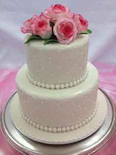 Cakes Beautiful Cakes, Amazing Cakes, Debut Cake, Cupcake Cookies, Cupcakes, Pearl Cake, Cake Gallery, Good Enough To Eat, Specialty Cakes