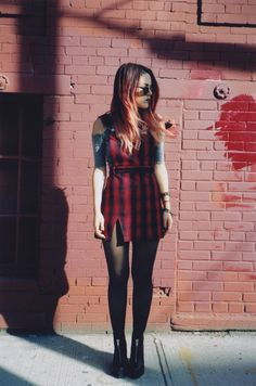 Can't beat a Clueless inspired look snapped with expired film. Mode Grunge, Style Grunge, Grunge Look, 90s Grunge, Mode Alternative, Alternative Outfits, Alternative Fashion, Punk Fashion, Grunge Fashion