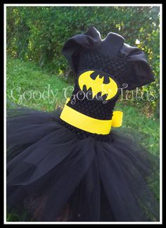 I'M BATGIRL Batman Inspired Tutu Dress - it's for a little girl but I could so make this for next year!!!