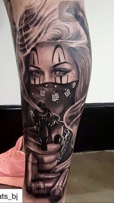 Billedresultat for catrina na perna Gangster Tattoos, Dope Tattoos, Badass Tattoos, Skull Tattoos, Body Art Tattoos, Hand Tattoos, Girl Tattoos, Tattoos For Guys, Chicano Tattoos Gangsters