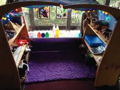ATTENTION! Twins en jeu !: Homeschool chambre et intérieure Environnement de jeu tournée