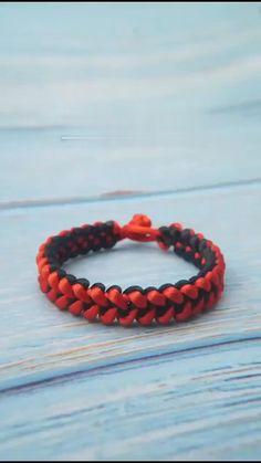 Diy Friendship Bracelets Tutorial, Diy Bracelets Easy, Bracelet Tutorial, Friendship Bracelet Patterns, Handmade Bracelets, Macrame Tutorial, Woven Bracelets, Paracord Bracelets, Diy Crafts Jewelry