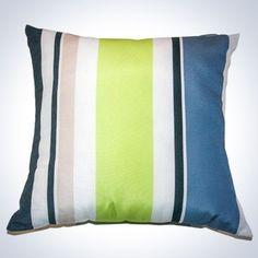 Oreiller carré - Rayé vert et gris Throw Pillows, Bed, Home, Neck Pillow, Exterior Homes, Toss Pillows, Cushions, Stream Bed, Ad Home