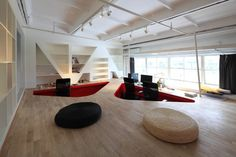 Perfect Top Red Town Office Design By Taranta Creations Modern Architecture Design Ideas Red Office Design Ideas Modern Architecture Design, Modern Office Design, Contemporary Office, Office Interior Design, Office Interiors, Uses Of Wood, Salons Cosy, Traditional Office, Interior Design Images