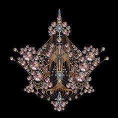 Art Nouveau pendant (ca.1900)  (viaJewelry http://buyjewelrydeals.com | A Girl's Best Friends | Pinterest)
