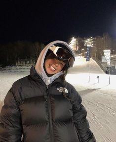 Mode Au Ski, Mode Outfits, Fashion Outfits, Estilo Madison Beer, Ski Season, Winter Fits, Looks Vintage, Foto E Video, Winter Fashion
