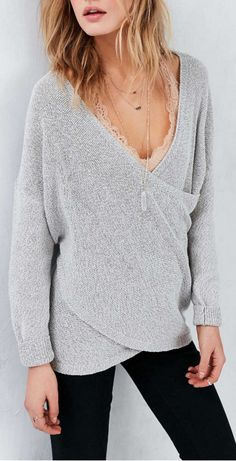 This sweater looks so comfy.