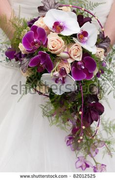 wedding-bouquets-orchids-and-roseswedding-bouquet-of-beige-roses-and-purple-orchids-stock-photo-4uqfoezp.jpg (300×470)