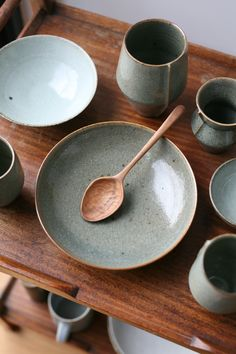Crackle glazed pieces with a walnut spoon by Alex Devol, (bronte… Florian Gadsby. Crackle glazed pieces with a walnut spoon by Alex Devol (Bronte a. Pottery Plates, Ceramic Pottery, Ceramic Art, Glazed Ceramic, Ceramic Tableware, Kitchenware, Ceramic Spoons, Keramik Design, Carved Spoons