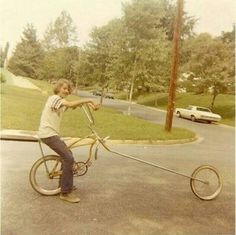 Kid on a badass Schwinn chopper - early Old Bicycle, Old Bikes, Bicycle Women, Bmx, Push Bikes, Chopper Bike, Roller, Cool Bicycles, Vintage Bicycles