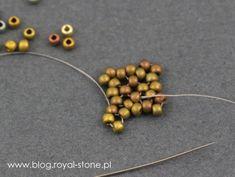 Dracconis – smocze kolczyki – tutorial   Royal-Stone blog Handmade Beaded Jewelry, Beaded Jewelry Patterns, Beading Patterns, Bead Jewellery, Bead Earrings, Bead Crafts, Jewelry Crafts, Peyote Stitch Patterns, Tutorials