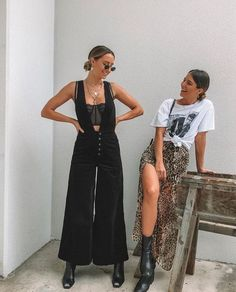 talk about FRIENDSHIP GOALS! these ladies are killing it in their outfits. i love the grungy and edg&; talk about FRIENDSHIP GOALS! these ladies are killing it in their outfits. i love the grungy and edg&; le na […] edgy outfit Mode Outfits, Casual Outfits, Fashion Outfits, Womens Fashion, Modest Fashion, Ladies Outfits, Fashion Hacks, Girly Outfits, Classic Outfits