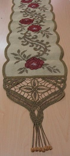 Tribal Tattoos, Tattoos Skull, Memorial Tattoos, Needlepoint Stitches, Needlework, Cross Stitch Embroidery, Diy And Crafts, Rugs, Counted Cross Stitches