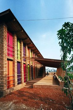 Image 7 of 14 from gallery of Sra Pou Vocational School / Architects Rudanko + Kankkunen. Courtesy of Architects Rudanko + Kankkunen Brick Building, Green Building, Building A House, Sustainable Schools, Sustainable Design, Eco Architecture, Education Architecture, Concrete Architecture, Architecture Wallpaper