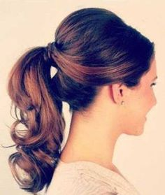Tendance Coupe & Coiffure Femme Description Back to school hairstyle: the two simple ponytail hairstyles that you could easily do at home Cool Easy Hairstyles, Up Hairstyles, Pretty Hairstyles, Hairstyle Ideas, Office Hairstyles, 1950s Hairstyles For Long Hair, Easy Professional Hairstyles, Wedding Ponytail Hairstyles, 2017 Hairstyle