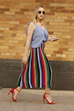 As saias são as melhores apostas para esse verão, mas que tal fazer dessa peça a protagonista da produção?