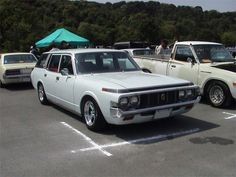 Toyota Crown or Nissan Laurel - AutoShite - Autoshite Good Drive, Toyota Crown, Chevrolet Caprice, Going On Holiday, Commercial Vehicle, Station Wagon, Old Cars, Custom Cars, Nissan