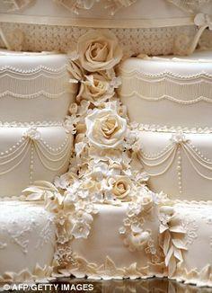 Wedding cake of HRH Prince William and Catherine, Duchess of Cambridge.  #royalty