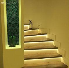 Aydınlatma, Duvar dekorasyon, Mavi, Merdiven, Niş