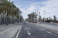 Columbus Avenue in Barcelona - Стоковое изображение: 66970059