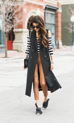 DETAILS: STRIPED OFF-THE-SHOULDER CROP TOP | LONG TRENCH VEST | CAMEL CROPPED SKINNY JEANS (UNDER $50) | BLACK MULES | CHANEL BOY BAG (SIMILAR HERE) | WATCH | SUNGLASSES I was so excited for the chanc