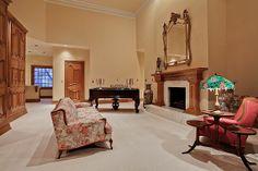 elegant-the-mary-kay-mansion10