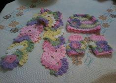 Crochet scarf - ice cap -gloves for girls