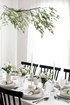 Easy ideas for creating a modern minimal table setting. @allmodern #partner