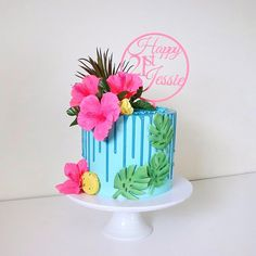 852 vind-ik-leuks, 27 reacties - Sugar Bomb Cakes (@sugarbombcake) op Instagram: 'When the brief for a tropical party in pink and blue came through I knew exactly how I wanted the…'